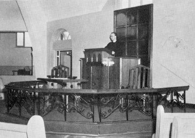Rev Boyd pulpit 1971